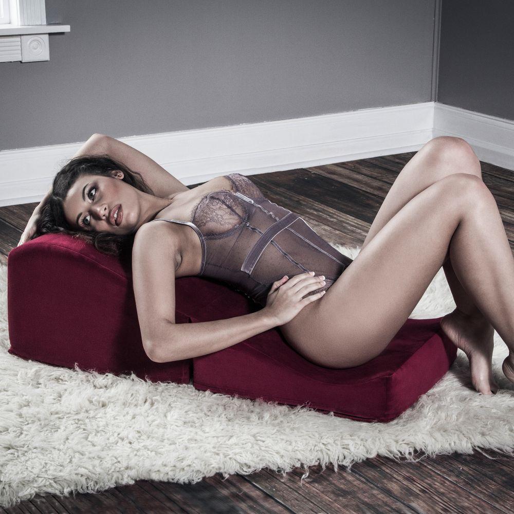 Подушка для орального секса сисястая блондиночка порно